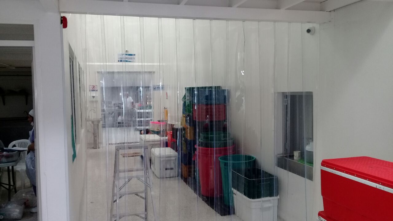 Cortinas plasticas cuartos frios cortinas plasticas for Cuarto frio cocina